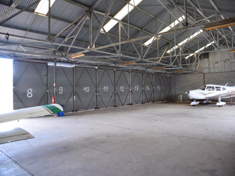 Ulm Occasion Places De Hangar Pour Multiaxes Les Mureaux Lfxu